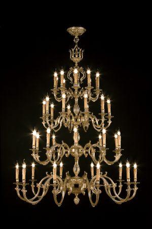 lampara de bronce fabricada artesanalmente y decorada a mano.